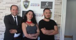 Genç Sanatçılardan Ünlü Film Yapımcısına Ziyaret