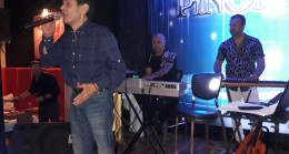Selçuk Ural Pinon Sahnede Yeni Şarkılar Müjdesi Verdi.