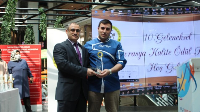 TGRT EU'nun ilgiyle izlenen şefi Abdullah Hakim Yavrutürk'e Bir Ödül daha.