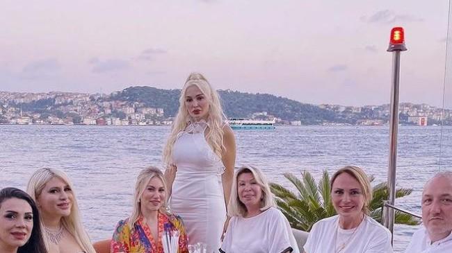 ELİF GİRGİN'E SÜRPRİZ DOĞUM GÜNÜ!
