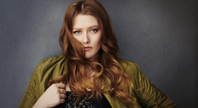Türk Pop Müzik kulvarının gelecek vadeden isimleri arasında yer alan Melisa yeni şarkısı 'Dizgin' ile müzikseverlere merhaba dedi.