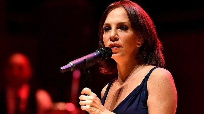 Sertab Erener'den kötü haber! Ünlü şarkıcı hastanelik oldu!